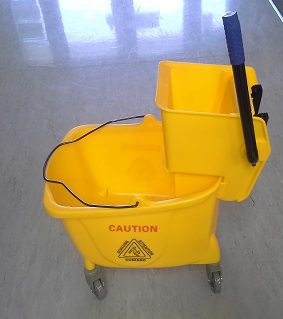 BROWNS MOP BUCKET WITH PRESS 30Ltr